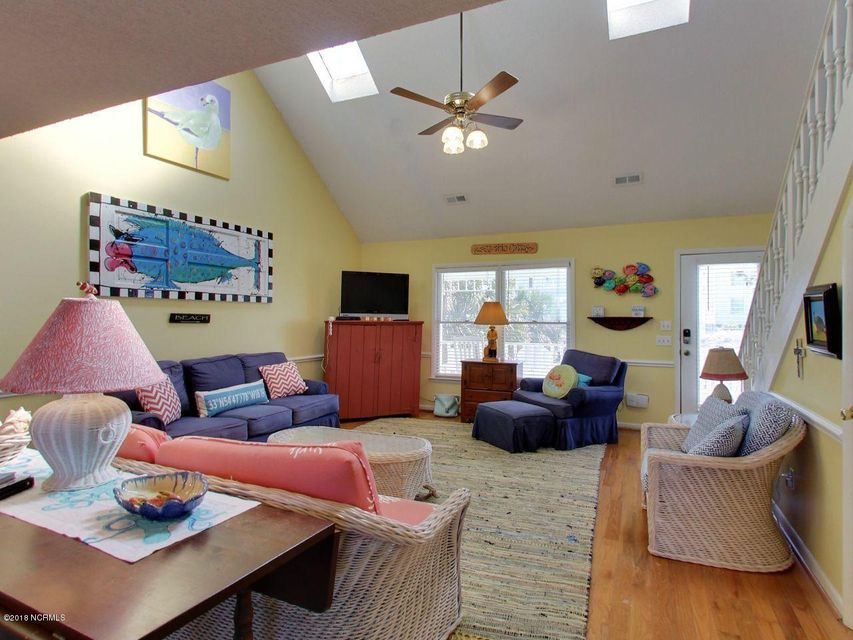 Holden Beach West Real Estate - http://cdn.resize.sparkplatform.com/ncr/1024x768/true/20180301194007908513000000-o.jpg