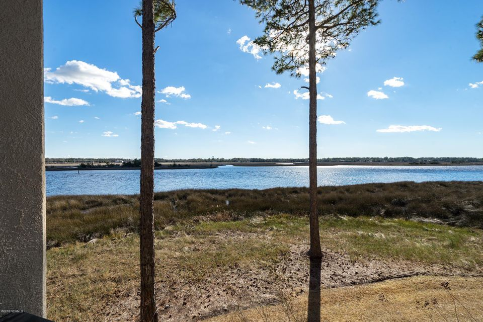 The Preserve at Oak Island Real Estate - http://cdn.resize.sparkplatform.com/ncr/1024x768/true/20180301205821193211000000-o.jpg