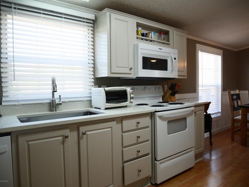 Holiday Pines Real Estate - http://cdn.resize.sparkplatform.com/ncr/1024x768/true/20180302164658409630000000-o.jpg