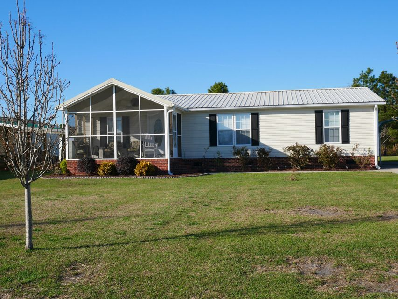 Holiday Pines Real Estate - http://cdn.resize.sparkplatform.com/ncr/1024x768/true/20180302165449910266000000-o.jpg
