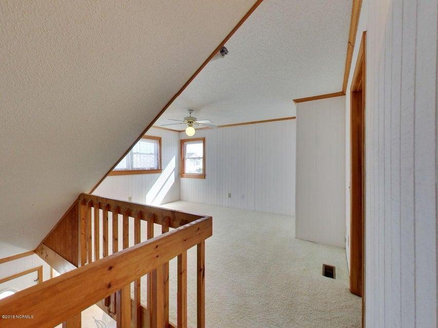 Fortner Real Estate - http://cdn.resize.sparkplatform.com/ncr/1024x768/true/20180303171204535763000000-o.jpg