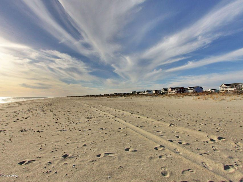 Holden Beach West Real Estate - http://cdn.resize.sparkplatform.com/ncr/1024x768/true/20180303171656371943000000-o.jpg