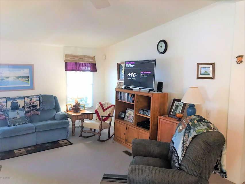 Buccaneer Hills Real Estate - http://cdn.resize.sparkplatform.com/ncr/1024x768/true/20180305222939763861000000-o.jpg