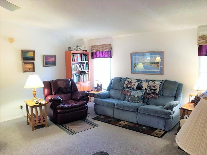 Buccaneer Hills Real Estate - http://cdn.resize.sparkplatform.com/ncr/1024x768/true/20180305222943024690000000-o.jpg