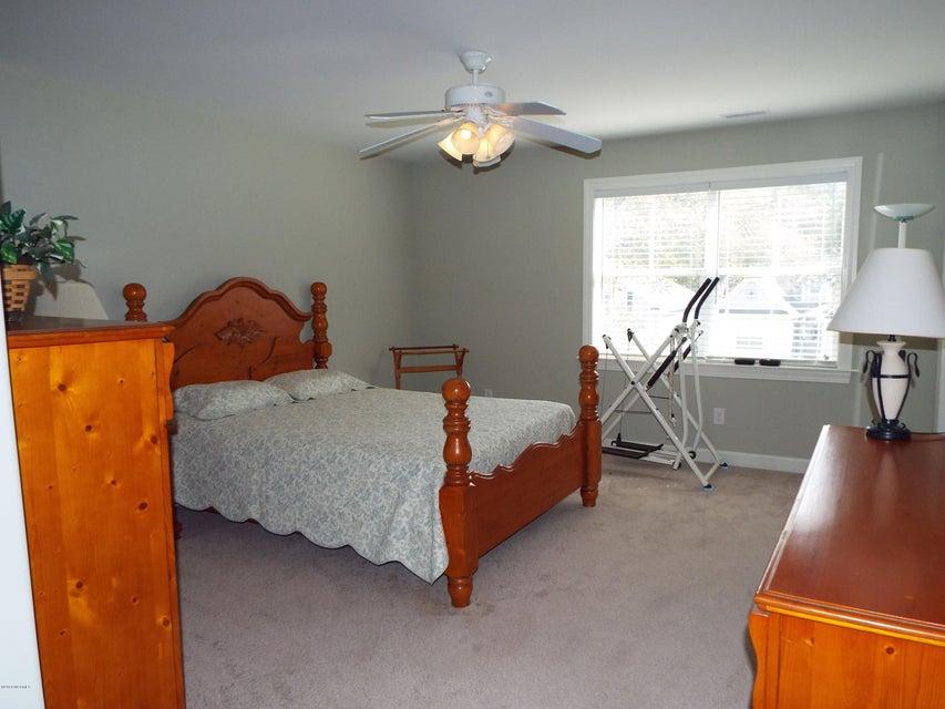 Old Ferry Estates Real Estate - http://cdn.resize.sparkplatform.com/ncr/1024x768/true/20180306035254950359000000-o.jpg