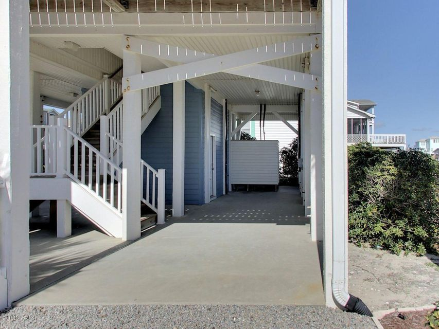 Holden Beach Harbor Real Estate - http://cdn.resize.sparkplatform.com/ncr/1024x768/true/20180306200159677862000000-o.jpg