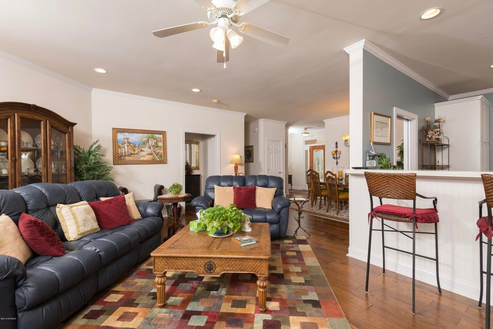 Waterford of the Carolinas Real Estate - http://cdn.resize.sparkplatform.com/ncr/1024x768/true/20180306211319278715000000-o.jpg