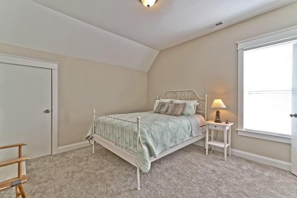 Lockwood Folly Real Estate - http://cdn.resize.sparkplatform.com/ncr/1024x768/true/20180307023321590117000000-o.jpg