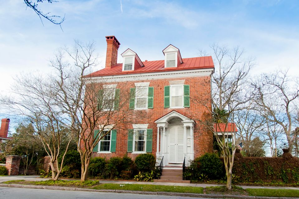 524 Front Street,New Bern,North Carolina,5 Bedrooms Bedrooms,9 Rooms Rooms,4 BathroomsBathrooms,Single family residence,Front,100104520