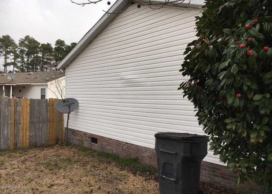Glendale Real Estate - http://cdn.resize.sparkplatform.com/ncr/1024x768/true/20180308204324282425000000-o.jpg