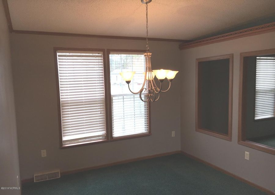 Glendale Real Estate - http://cdn.resize.sparkplatform.com/ncr/1024x768/true/20180308204334987213000000-o.jpg