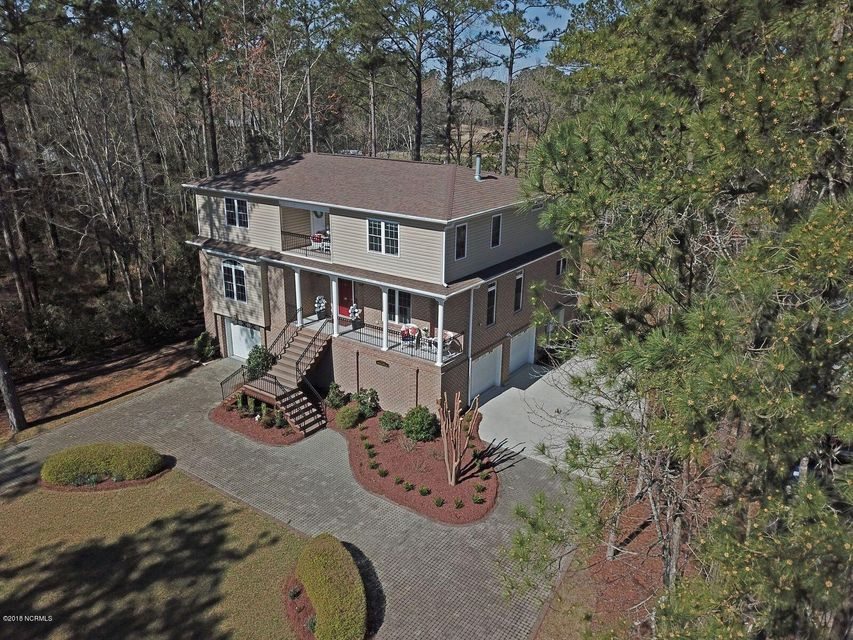 1019 Harbour Pointe Drive,New Bern,North Carolina,3 Bedrooms Bedrooms,9 Rooms Rooms,2 BathroomsBathrooms,Single family residence,Harbour Pointe,100104759