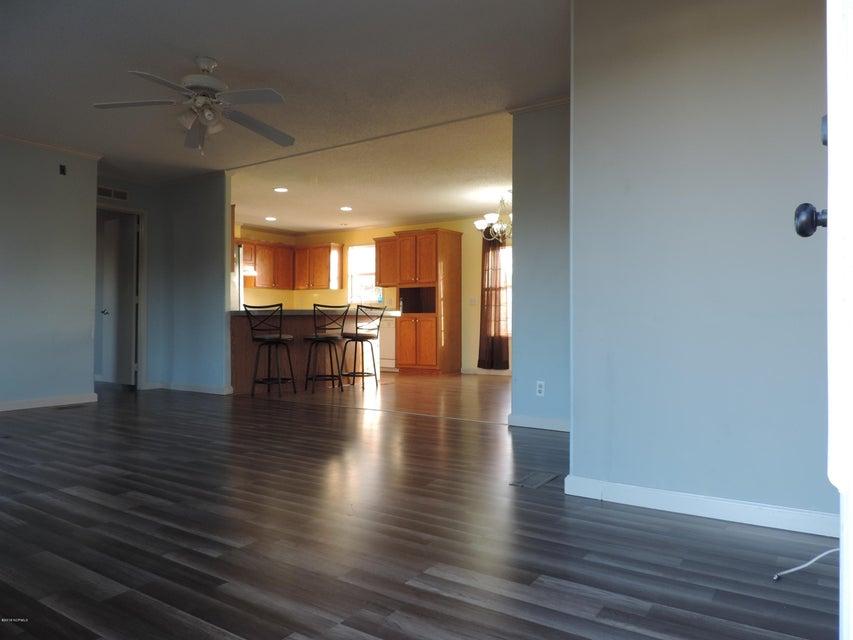 Hunter's Ridge Real Estate - http://cdn.resize.sparkplatform.com/ncr/1024x768/true/20180313183802756588000000-o.jpg
