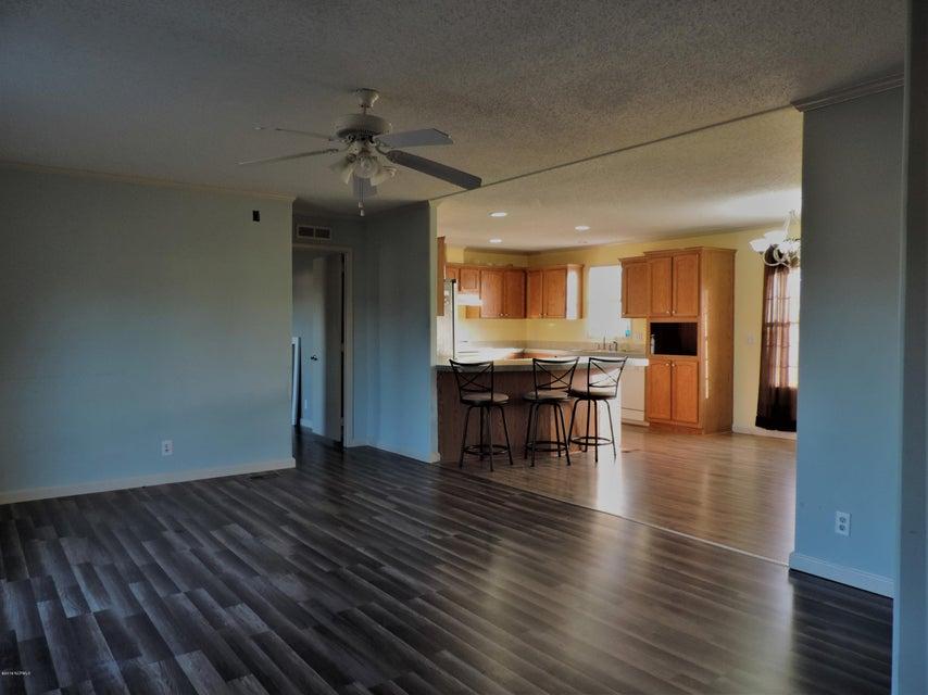 Hunter's Ridge Real Estate - http://cdn.resize.sparkplatform.com/ncr/1024x768/true/20180313183815080668000000-o.jpg