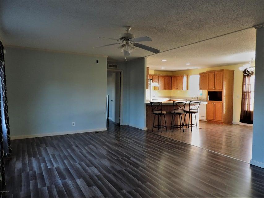 Hunter's Ridge Real Estate - http://cdn.resize.sparkplatform.com/ncr/1024x768/true/20180313183831763135000000-o.jpg