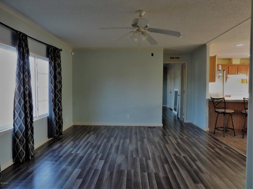 Hunter's Ridge Real Estate - http://cdn.resize.sparkplatform.com/ncr/1024x768/true/20180313183836623477000000-o.jpg
