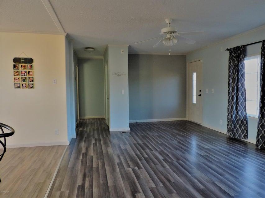 Hunter's Ridge Real Estate - http://cdn.resize.sparkplatform.com/ncr/1024x768/true/20180313183908306980000000-o.jpg