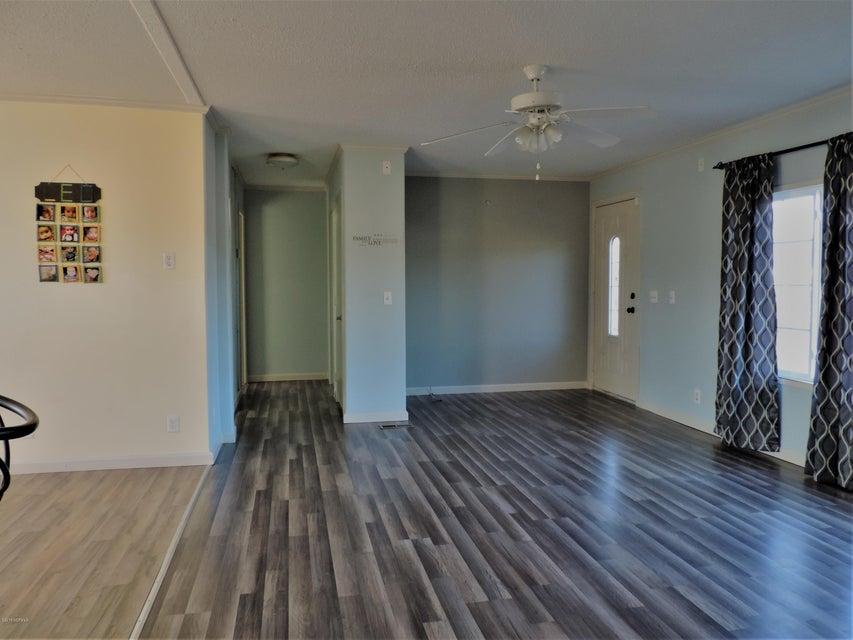 Hunter's Ridge Real Estate - http://cdn.resize.sparkplatform.com/ncr/1024x768/true/20180313183913338778000000-o.jpg