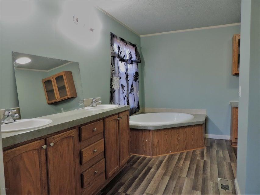 Hunter's Ridge Real Estate - http://cdn.resize.sparkplatform.com/ncr/1024x768/true/20180313184115915866000000-o.jpg