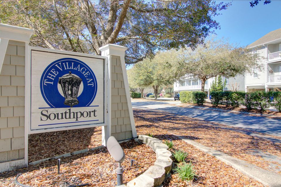 The Village at Southport Real Estate - http://cdn.resize.sparkplatform.com/ncr/1024x768/true/20180315150512251528000000-o.jpg