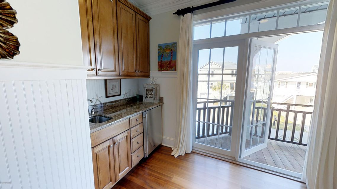 Ocean Isle Beach Real Estate - http://cdn.resize.sparkplatform.com/ncr/1024x768/true/20180414120318982948000000-o.jpg