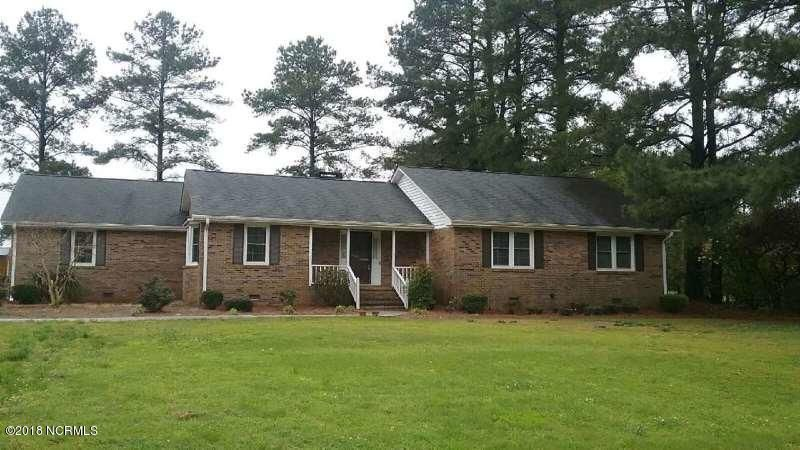 Property for sale at 870 Country Club Dr Drive, Ayden,  NC 28513