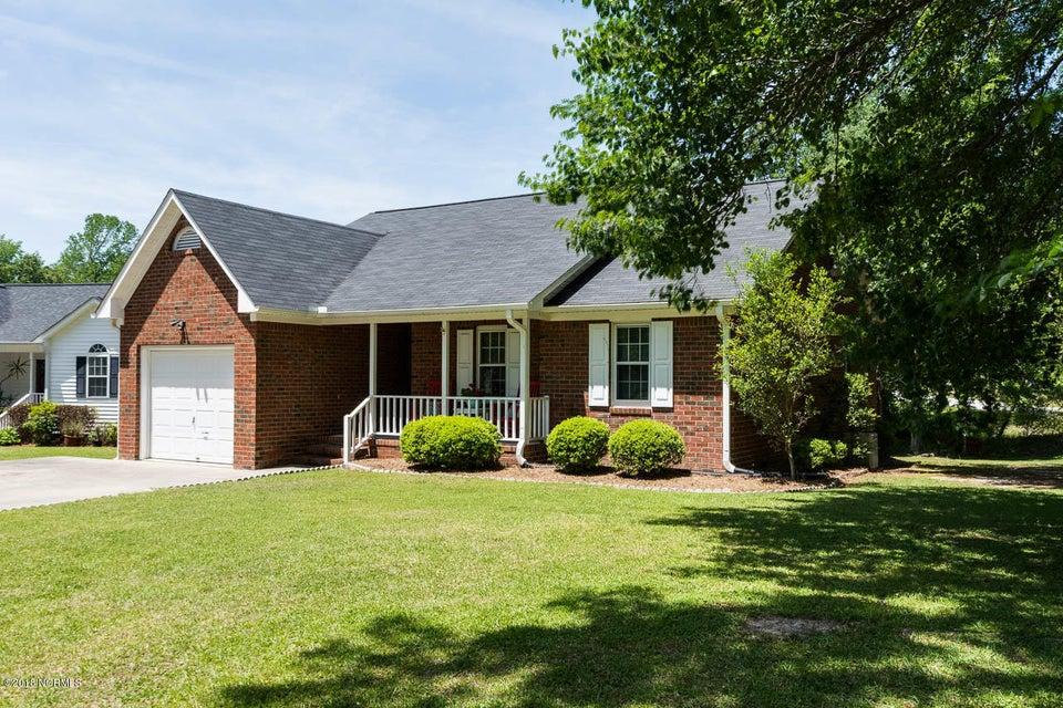 201 Lakemere Drive,New Bern,North Carolina,3 Bedrooms Bedrooms,6 Rooms Rooms,2 BathroomsBathrooms,Single family residence,Lakemere,100114577