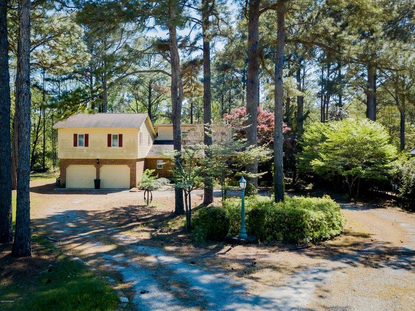 6200 Falcon Drive,New Bern,North Carolina,4 Bedrooms Bedrooms,10 Rooms Rooms,3 BathroomsBathrooms,Single family residence,Falcon,100113237