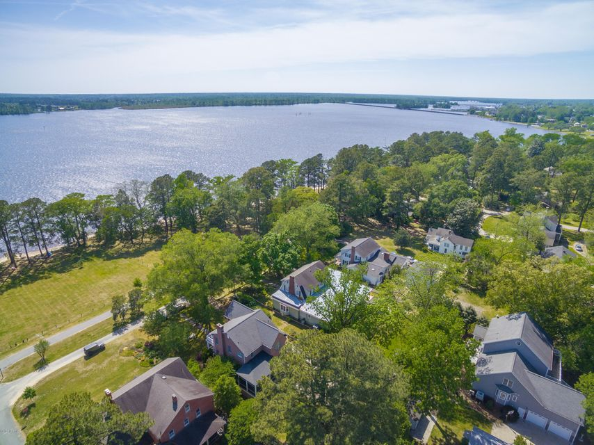 Property for sale at 212 Riverside Drive Unit: House Only, Washington,  NC 27889