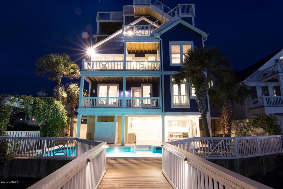319 Canal Drive,Carolina Beach,North Carolina,4 Bedrooms Bedrooms,11 Rooms Rooms,3 BathroomsBathrooms,Single family residence,Canal,100117492