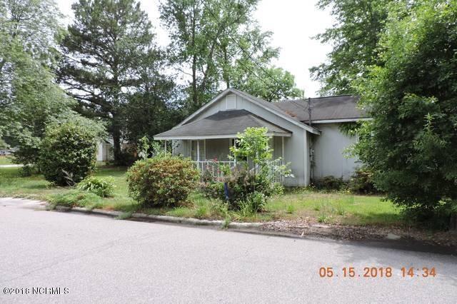 110 Campbell Street,Lumberton,North Carolina,3 Bedrooms Bedrooms,6 Rooms Rooms,2 BathroomsBathrooms,Single family residence,Campbell,100116593