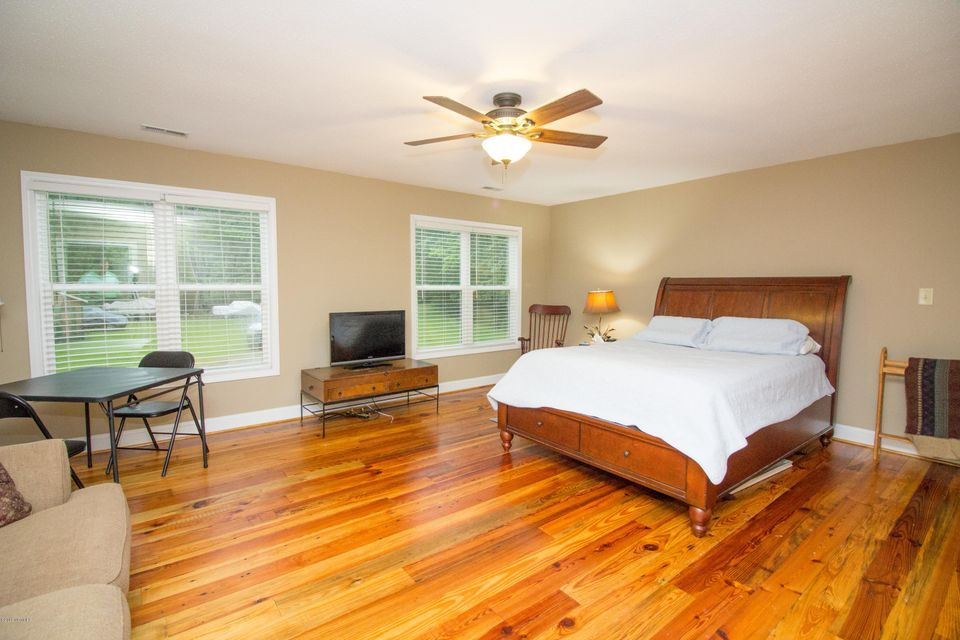 214 Spring Drive,Aurora,North Carolina,3 Bedrooms Bedrooms,7 Rooms Rooms,2 BathroomsBathrooms,Single family residence,Spring,100117467