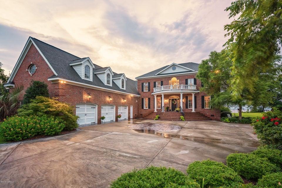 236 Drake Landing,New Bern,North Carolina,5 Bedrooms Bedrooms,13 Rooms Rooms,4 BathroomsBathrooms,Single family residence,Drake,100122309