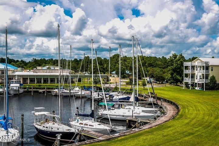 104 Marina Drive,New Bern,North Carolina,Wet,Marina,100000860
