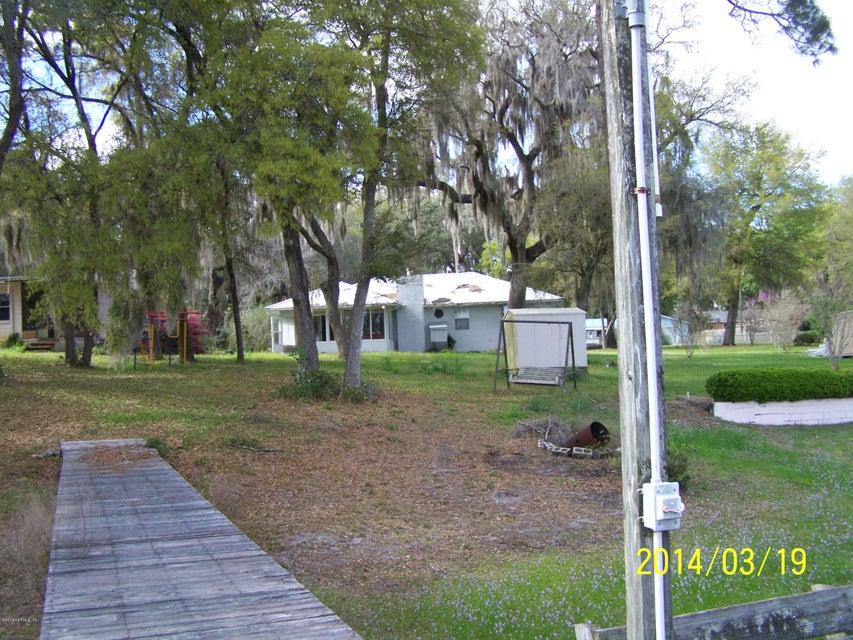 816 Lake Shore TER INTERLACHEN, FL 32148