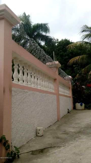 41 RUE BASSICOT, CAP-HAITIEN, N/A 00000, 7 Bedrooms Bedrooms, ,3 BathroomsBathrooms,Residential - single family,For sale,RUE BASSICOT,821333
