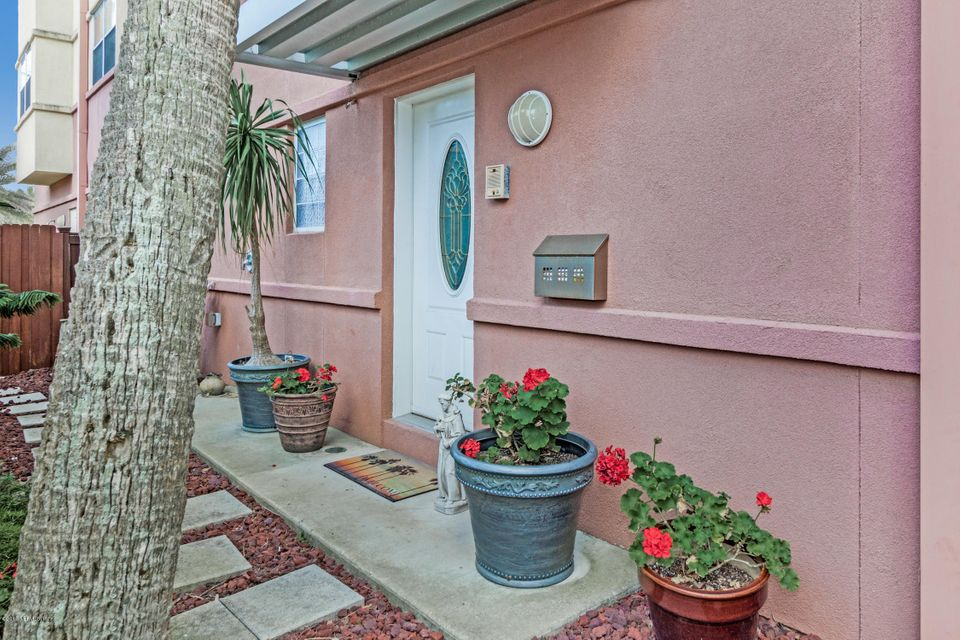 123 6TH,JACKSONVILLE BEACH,FLORIDA 32250,3 Bedrooms Bedrooms,4 BathroomsBathrooms,Residential - condos/townhomes,6TH,828218