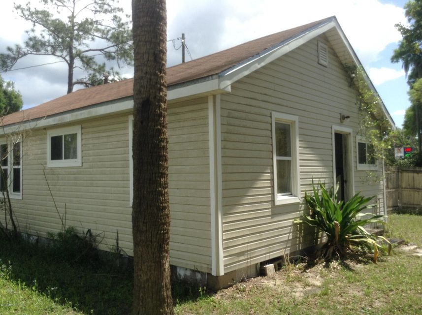 1167 HIGHWAY 17,SATSUMA,FLORIDA 32189-2716,1 Bedroom Bedrooms,1 BathroomBathrooms,Residential - single family,HIGHWAY 17,833518