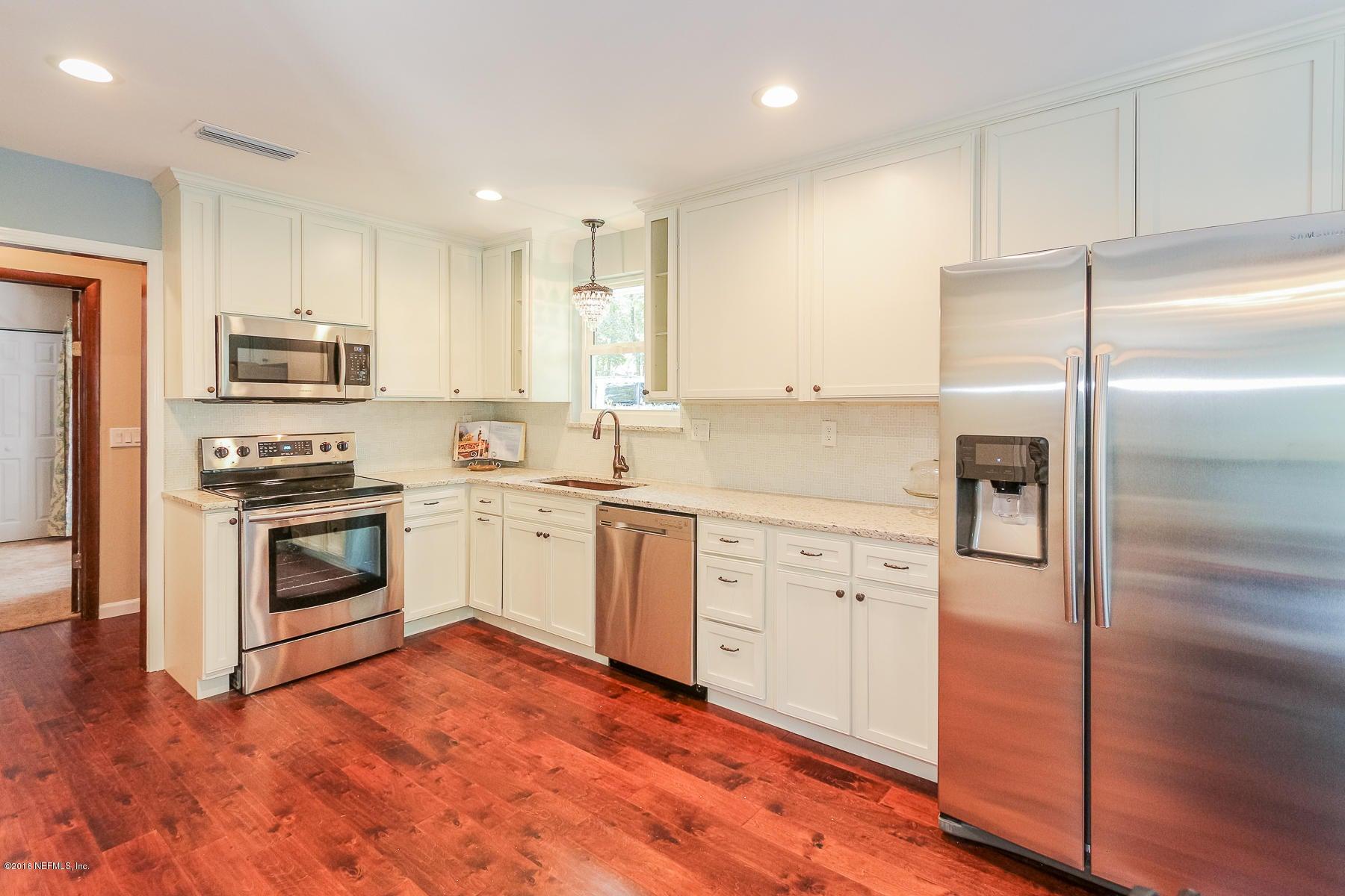 7600 WINDWARD,JACKSONVILLE,FLORIDA 32256,5 Bedrooms Bedrooms,3 BathroomsBathrooms,Residential - single family,WINDWARD,847486