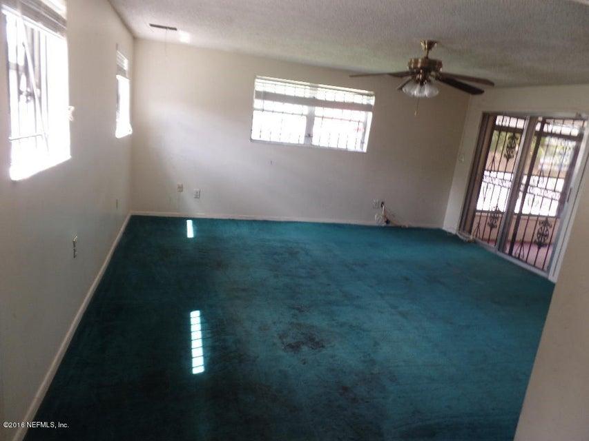 2638 SPRING LAKE,JACKSONVILLE,FLORIDA 32210,4 Bedrooms Bedrooms,2 BathroomsBathrooms,Residential - single family,SPRING LAKE,850408