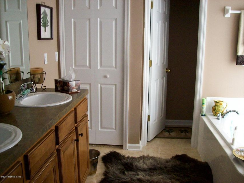 2427 CREEKFRONT,GREEN COVE SPRINGS,FLORIDA 32043,4 Bedrooms Bedrooms,2 BathroomsBathrooms,Residential - single family,CREEKFRONT,853911