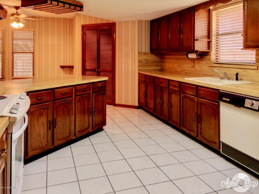 3245 CLIPPER PL JACKSONVILLE, FL 32216