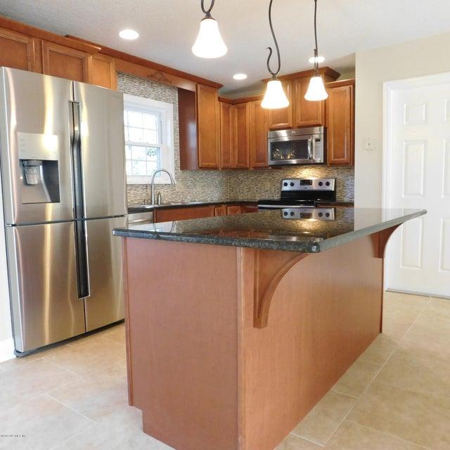 72 OAKWOOD,JACKSONVILLE BEACH,FLORIDA 32250,3 Bedrooms Bedrooms,2 BathroomsBathrooms,Residential - single family,OAKWOOD,866717