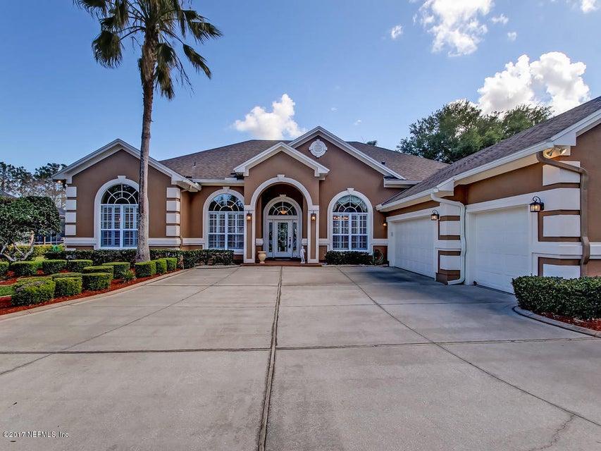 8208 HAMPTON LAKE LN, JACKSONVILLE, FL 32256