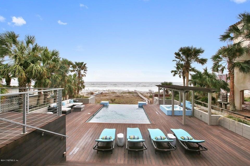 2061 Beach Ave