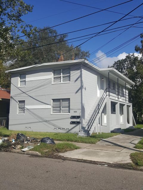 1251 25TH,JACKSONVILLE,FLORIDA 32209,8 Bedrooms Bedrooms,4 BathroomsBathrooms,Commercial,25TH,903962