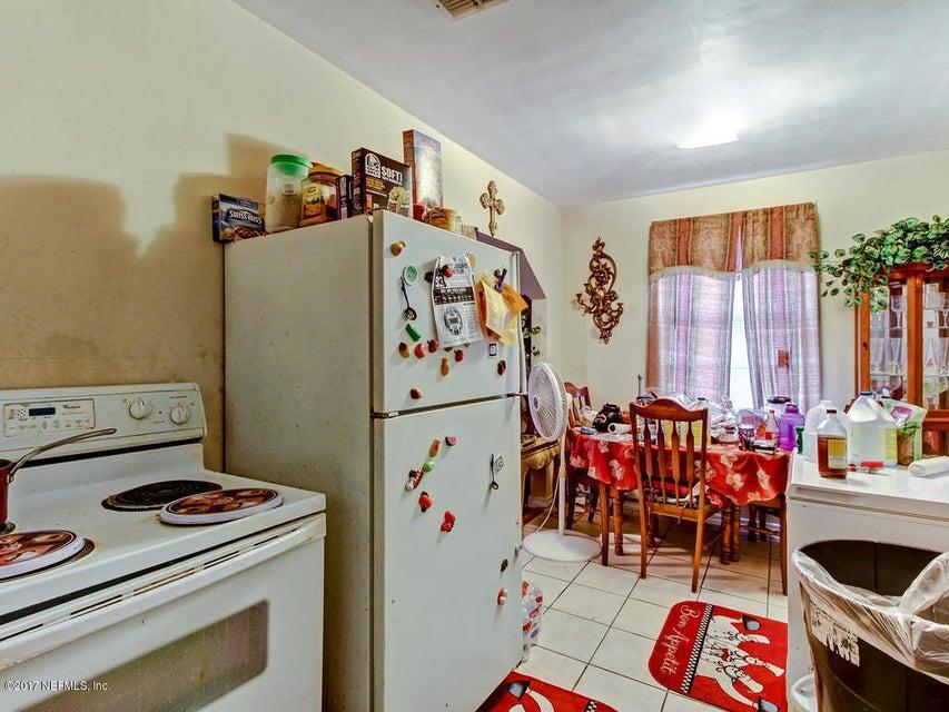 9135 JACKSON,JACKSONVILLE,FLORIDA 32208,2 Bedrooms Bedrooms,1 BathroomBathrooms,Single family,JACKSON,908974