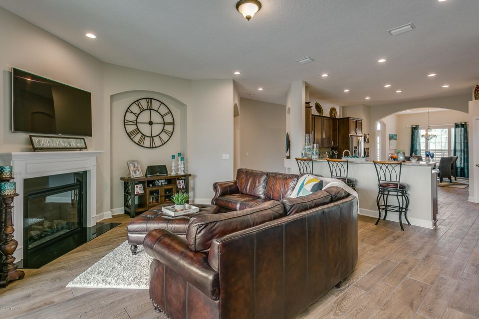 Family_Room_View_2