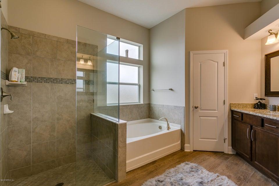 Owners_Bathroom_View_2