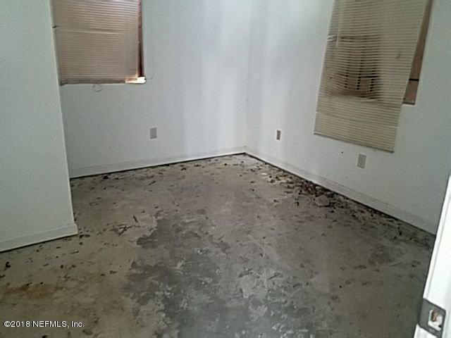 1507 ENGLISH,JACKSONVILLE,FLORIDA 32208,8 Bedrooms Bedrooms,4 BathroomsBathrooms,Multi family,ENGLISH,920891